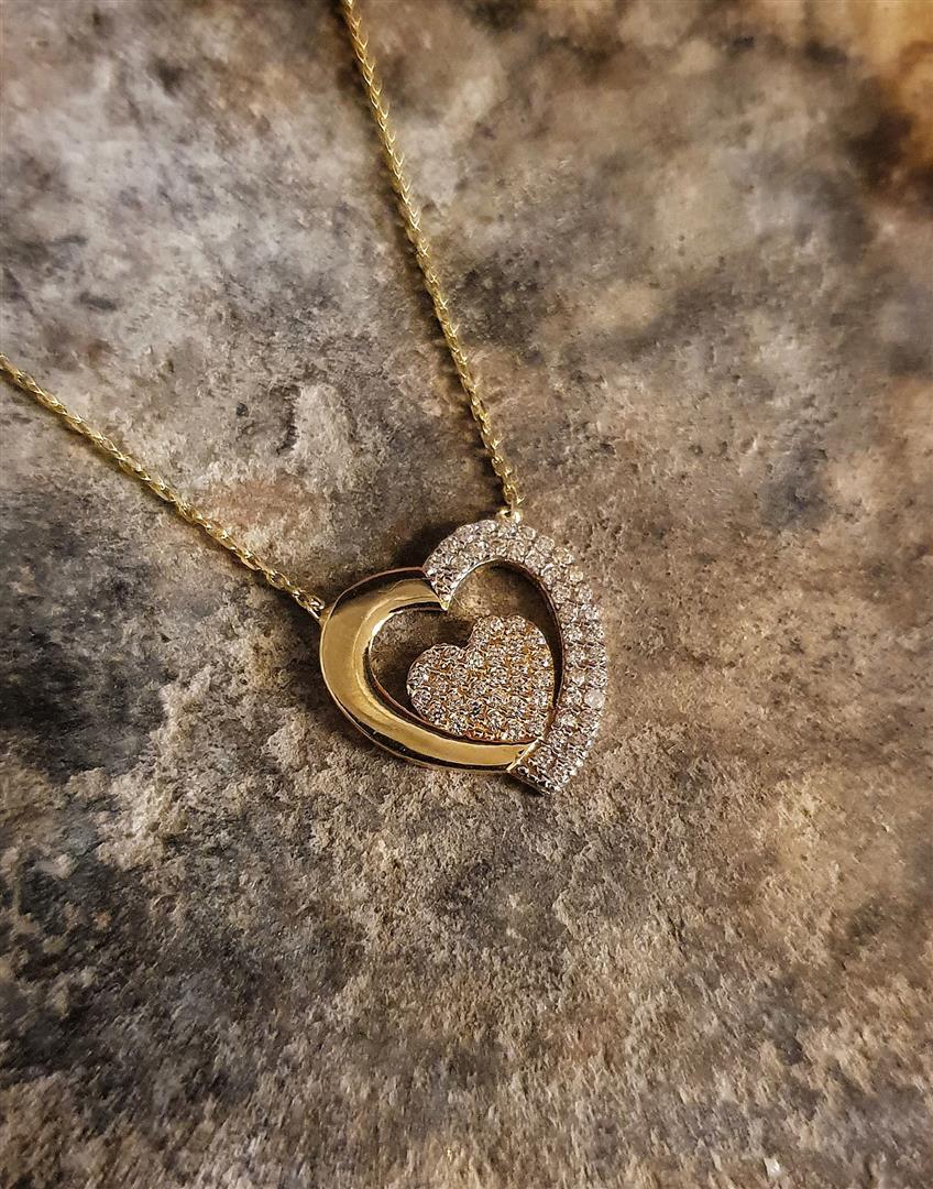 kalpli altın kolye