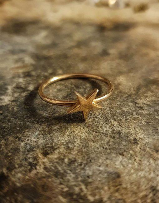 yıldız altın yüzük