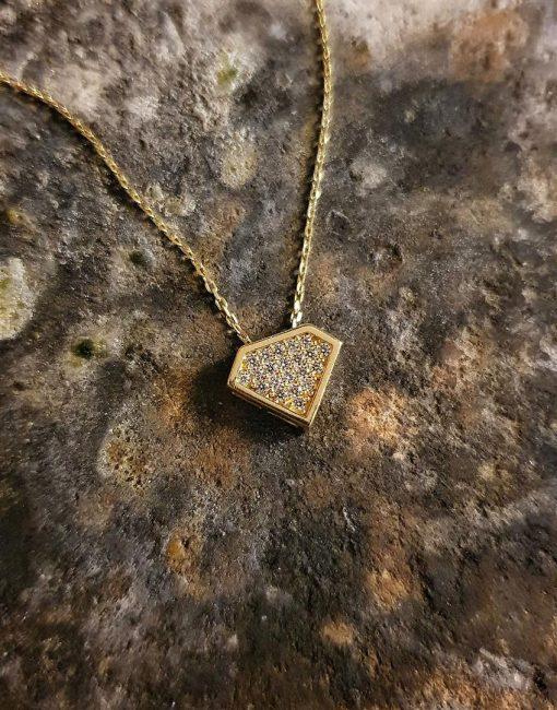 elmas formlu kolye