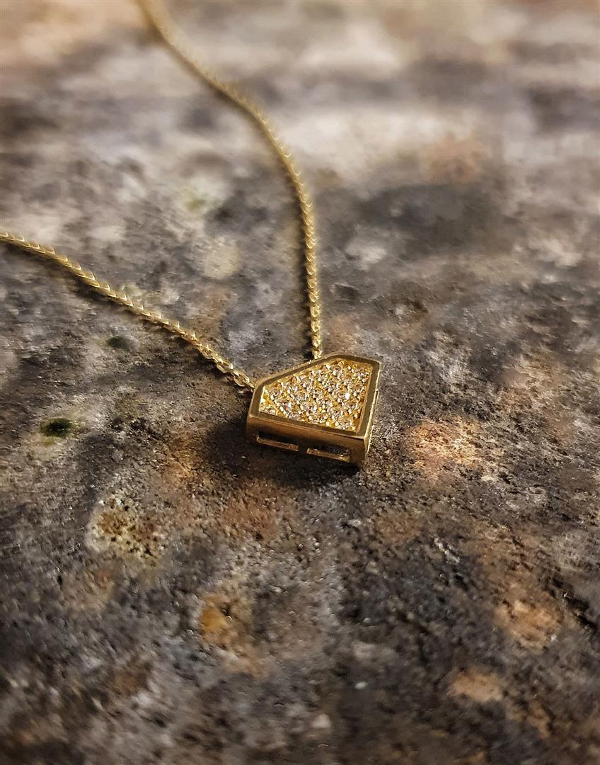 elmas formlu kolyel modelleri