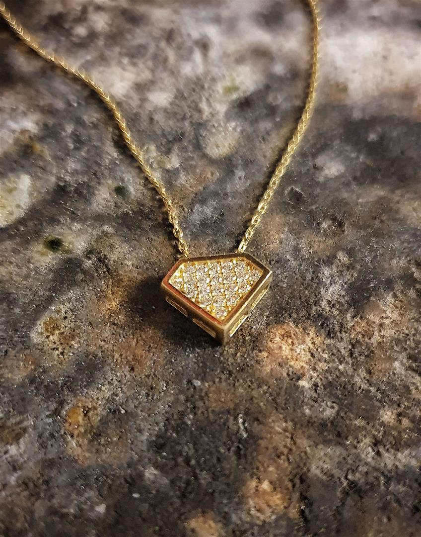 elmas formlu kolyeler