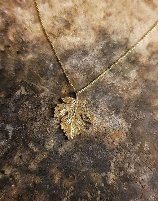 çınar yaprağı kolye